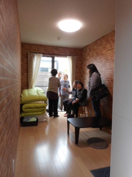 コンテナの宿「The Villa AIOI」通賢とシヅ子の2部屋あります。庭では、BBQやピザが楽しめます。